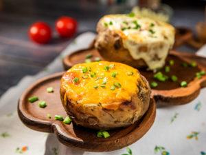 Cartofi umpluți cu carne tocată - 1