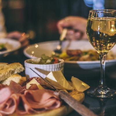 Porțiile mari în restaurante, un fenomen global - 1