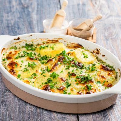Budincă de cartofi cu brânză de vaci