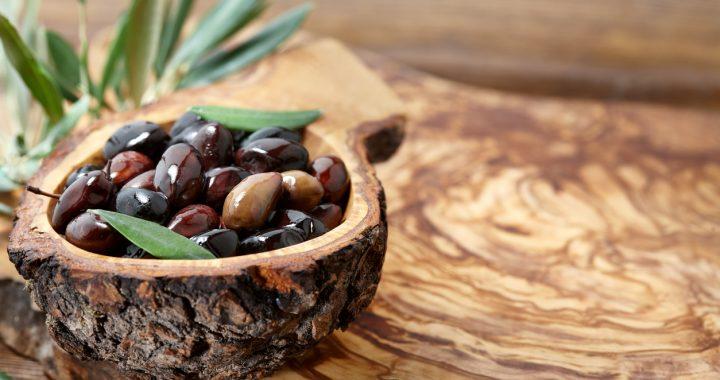 Ce să gătești cu măsline și de ce e bine să le mănânci mai des