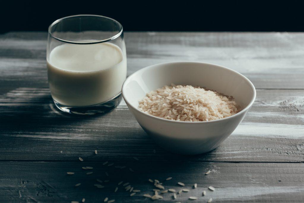 Pauză de la laptele de vacă. 5 tipuri de lapte vegetal de încercat