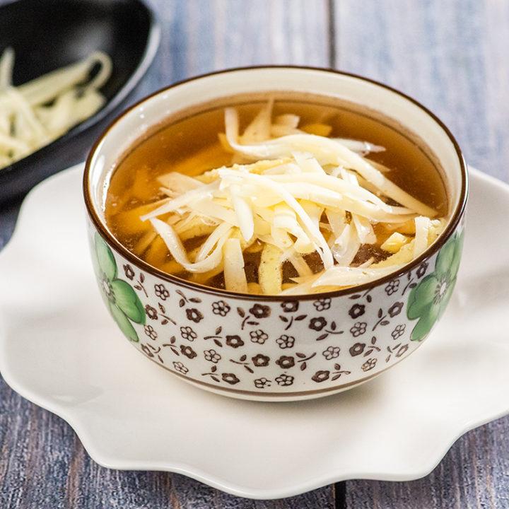 Supă de pui cu omletă