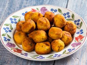 Chifteluțe de morcovi și cartofi