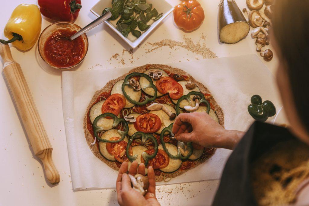 Pizza de post. Cu ce înlocuim brânza și ce toppinguri folosim