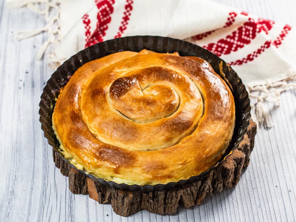Plăcintă învârtită cu brânză