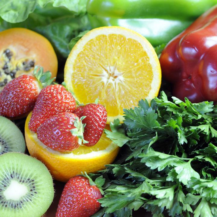 Cele mai bune surse de vitamina C. În ce alimente o găsim