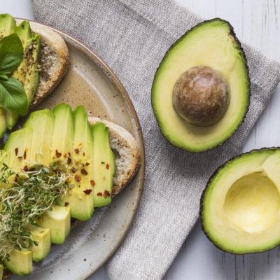 Avocado în loc de carbohidrați – o soluție pentru când ți-e foame, dar nu vrei multe calorii