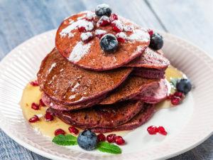 Pancakes cu sfeclă roșie