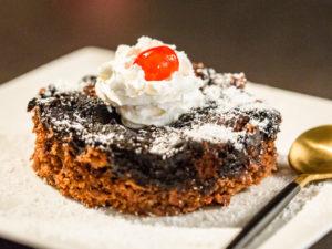 Prăjitură cu ciocolată și cocos la slow cooker
