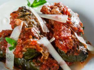Sarmale vegetariene în foaie de ștevie