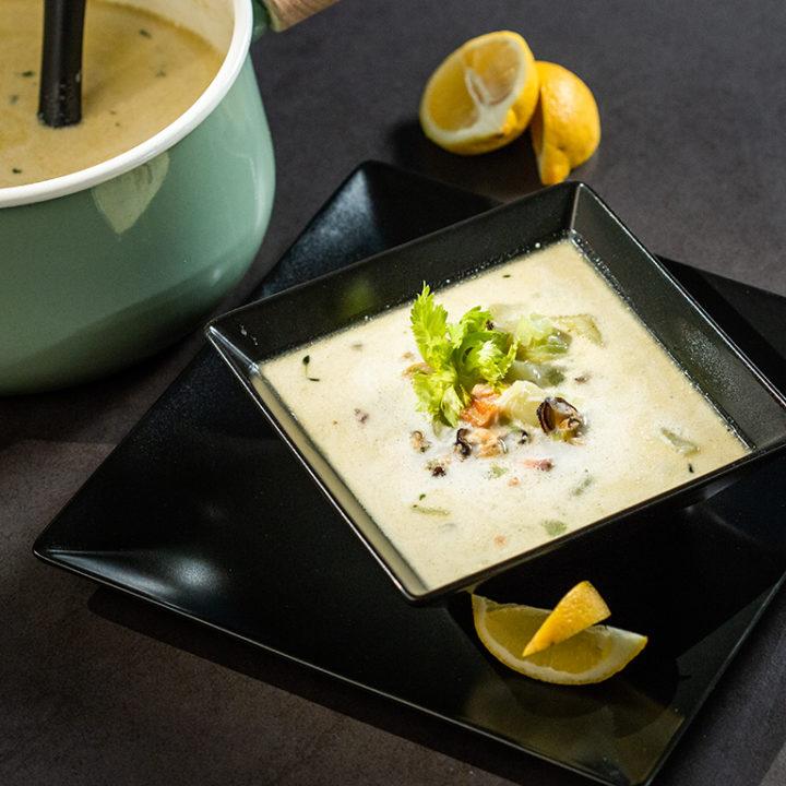 Supă de somon cu scoici