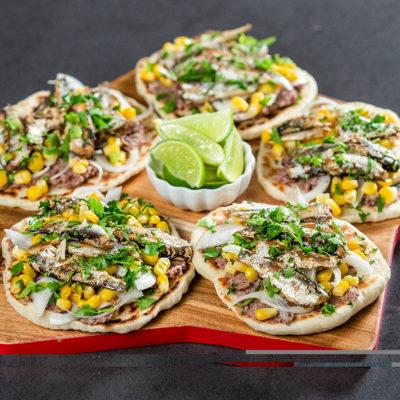Turte mexicane cu pește, fasole și porumb