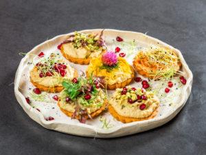 Mini tarte cu humus