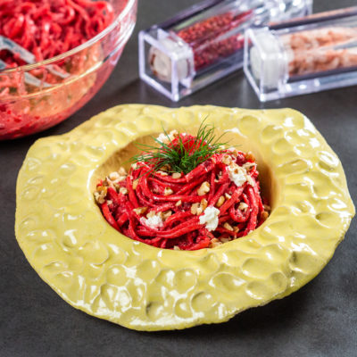 Linguine cu pesto roșu de sfeclă