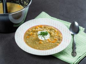 Supă de linte cu rubarbă
