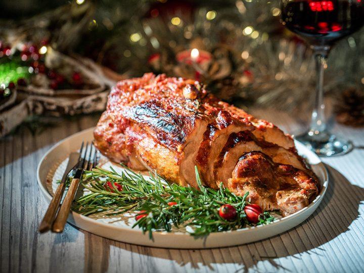 Ceafă de porc rumenită în pastă de ardei kapia