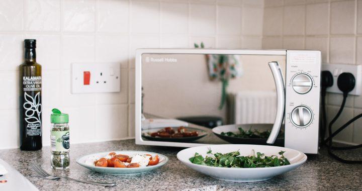 mâncarea în cuptorul cu microunde