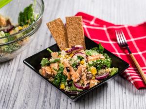 Salată cu somon și cușcuș