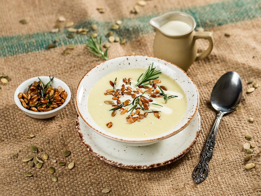 supa-crema-de-cartofi-praz-si-seminte-de-dovleac