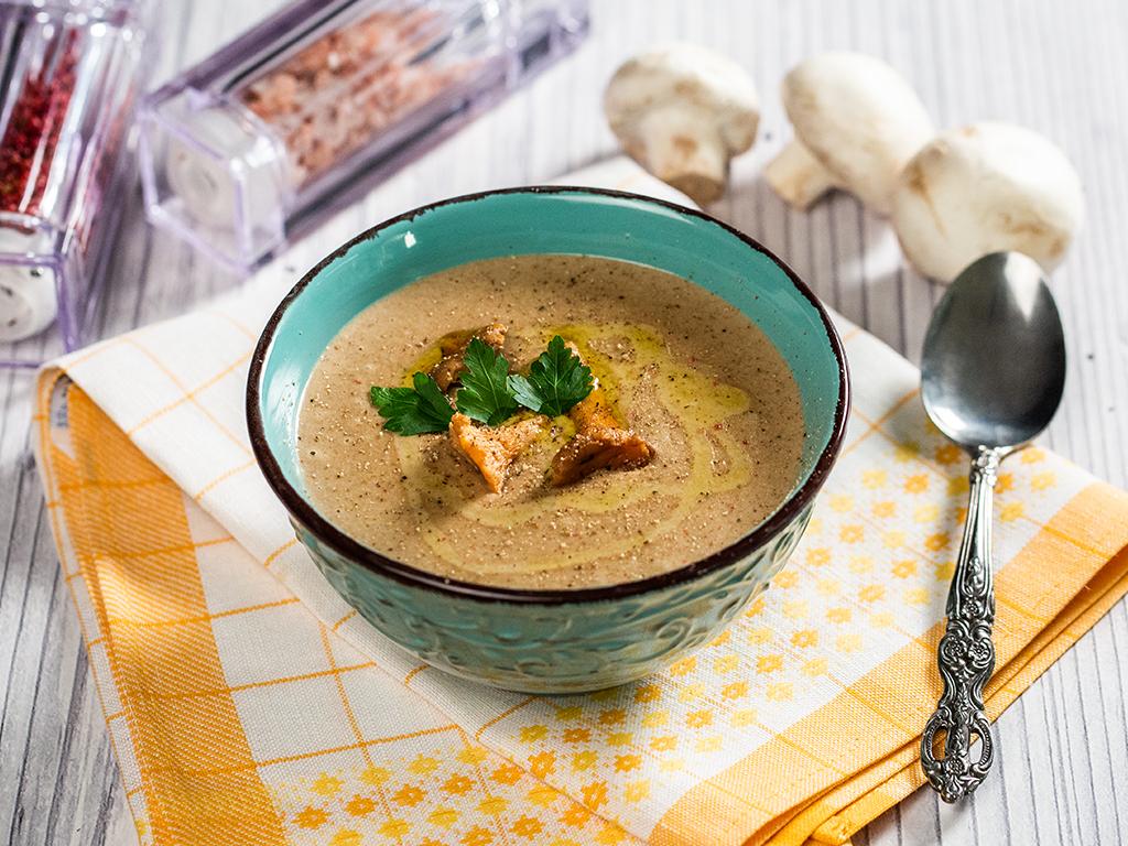 supa-crema-de-cartofi-si-ciuperci