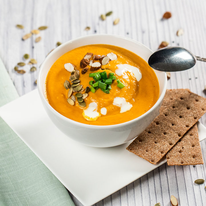 supa-crema-de-morcovi-si-lapte-de-cocos