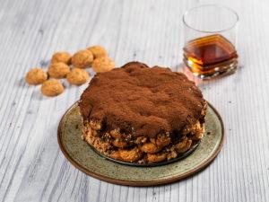 tort-de-ciocolata-cu-biscuiti-amaretti