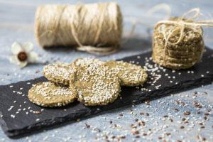 Biscuiți cu semințe de in și de susan