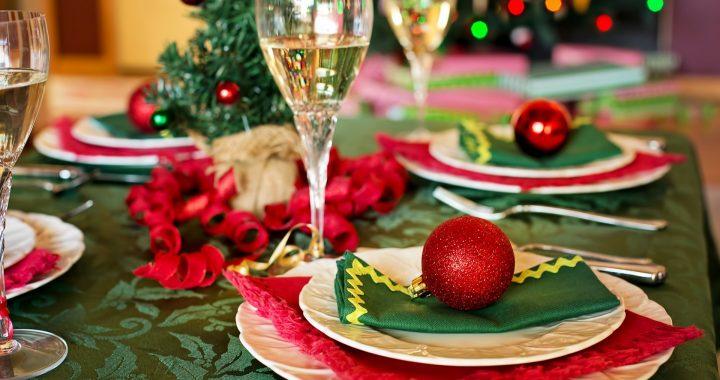 Imagine cu masa de Crăciun