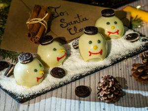 Oameni de zăpadă cu ciocolată albă
