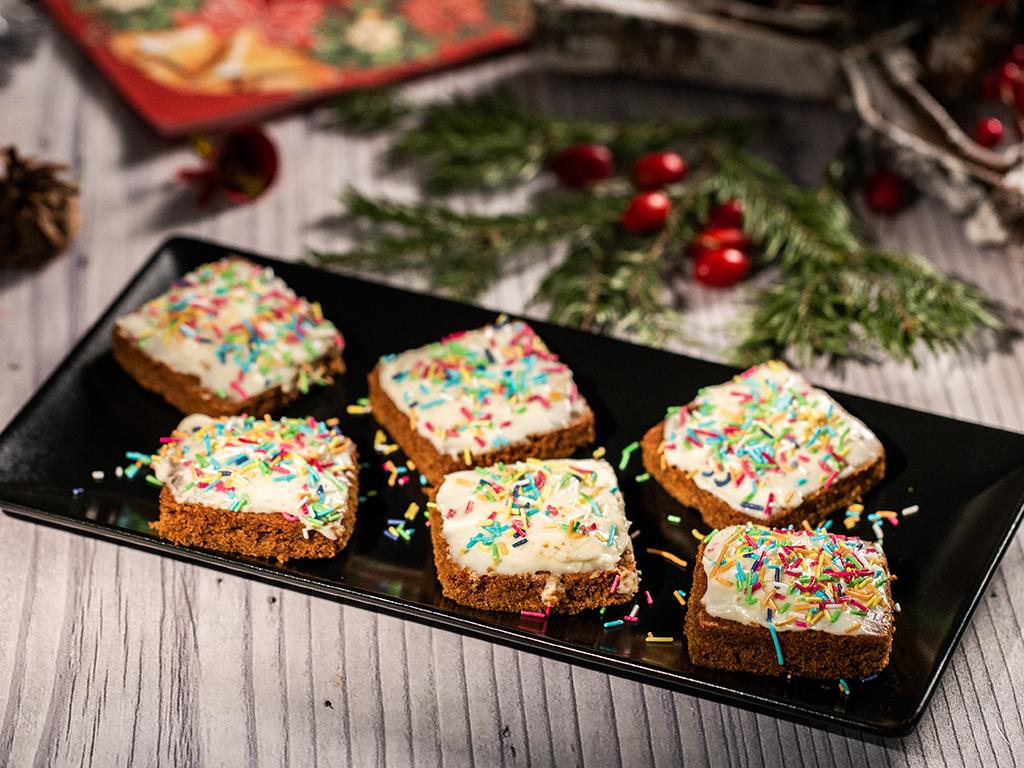 Prăjitură cu ghimbir și cremă de brânză