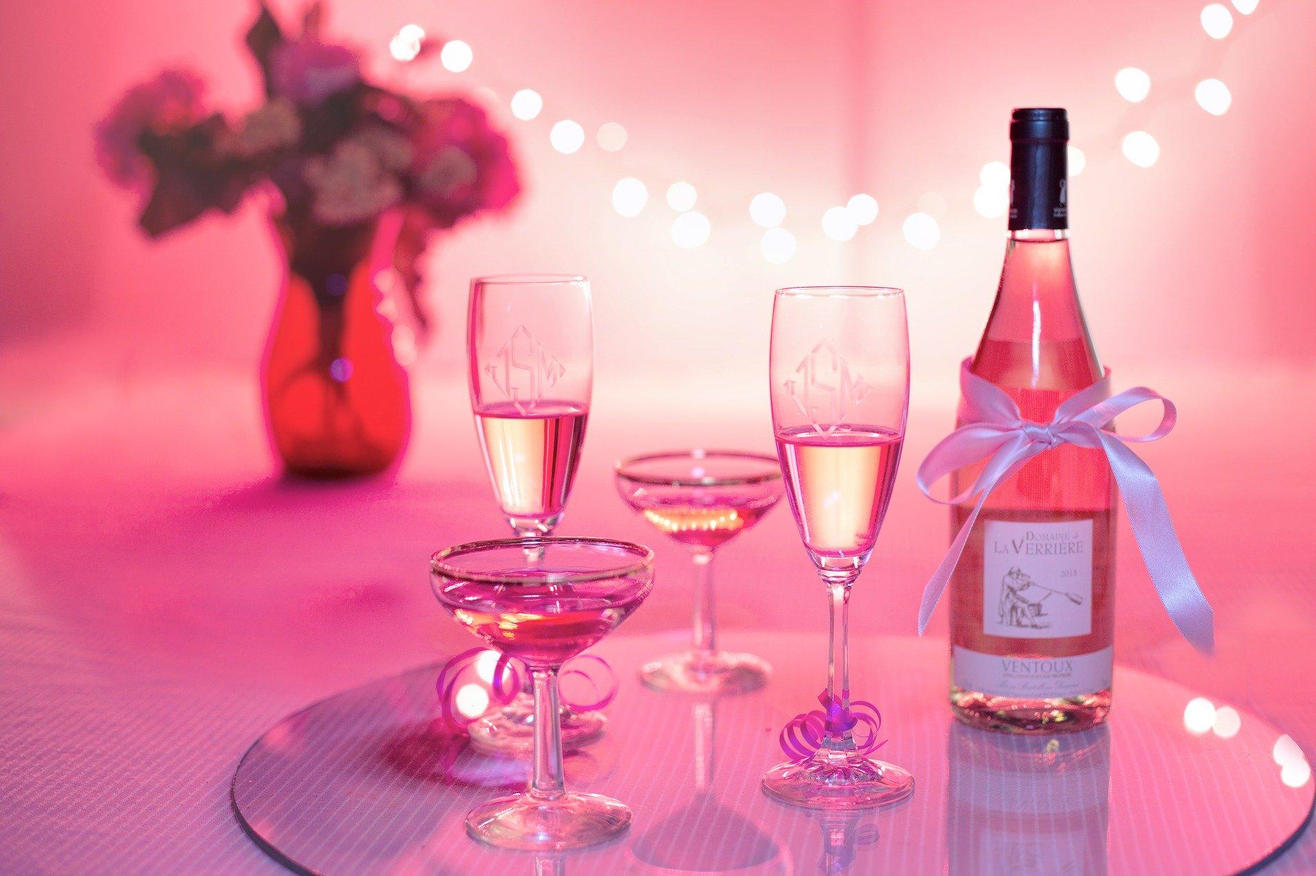 Ultima fiță: șampania roz