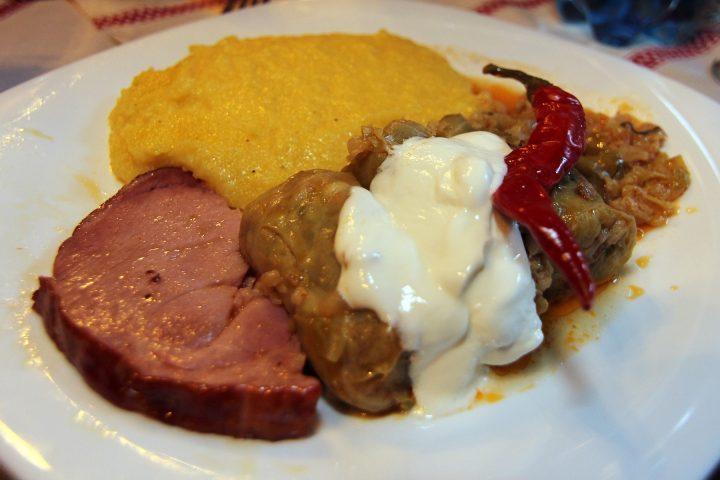 Sarmaua, simbolul gastronomiei românești - 1