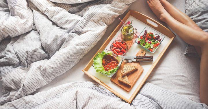 Ce alimente să nu consumi niciodată pe stomacul gol