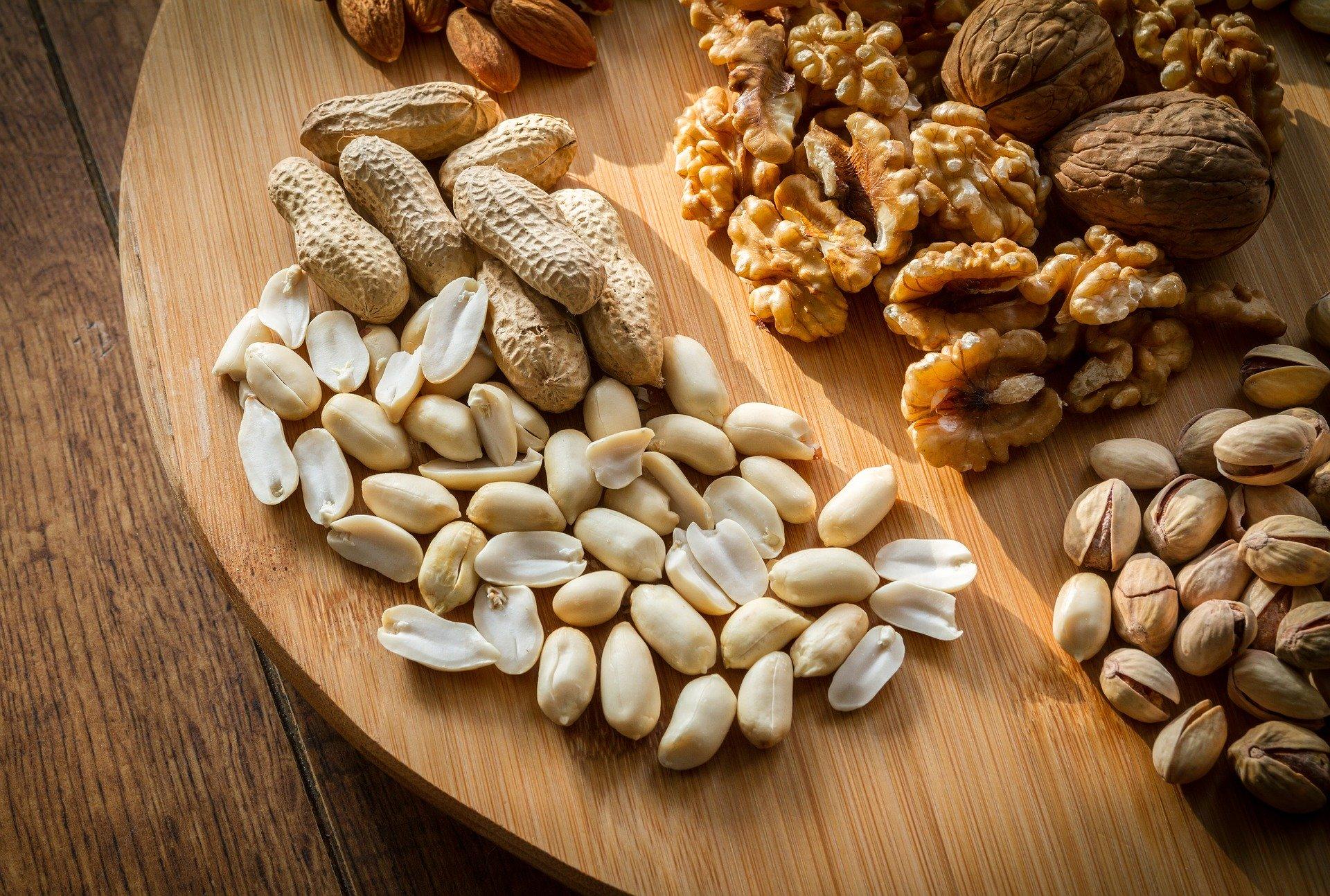 Nuci și semințe