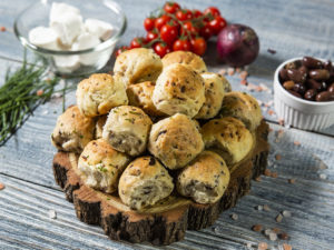 Mini-chifle aromate cu măsline și ceapă