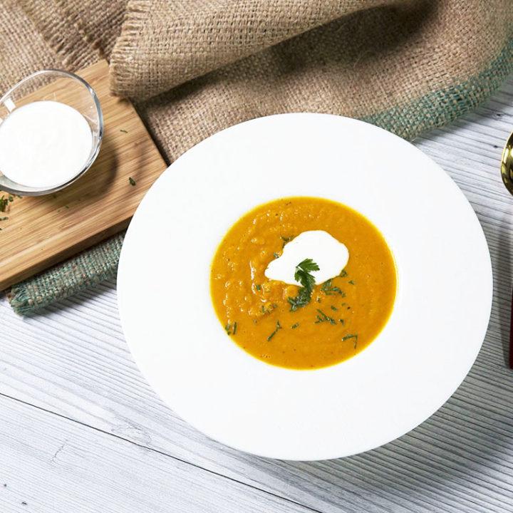 Supă cremă de morcov cu păstârnac
