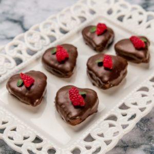 Inimi de ciocolată cu zmeură și cocos
