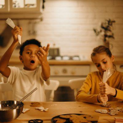 Copii în bucătărie