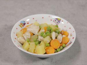 Mâncărică de legume cu piept de pui