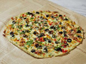Pizza cu aluat din conopidă