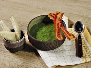 Supă cremă de spanac cu bacon