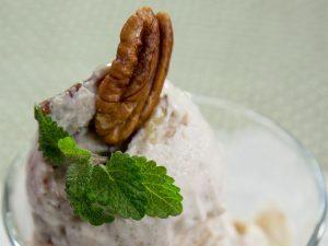 inghetata-cu-lapte-de-cocos-si-nuci-pecan