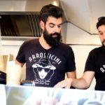 Românii redescoperă carnea de oaie în mâncarea stradală. Povestea Arrosticini, un food truck de succes - 5