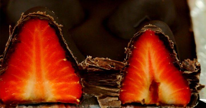 Ciocolată cu căpșuni