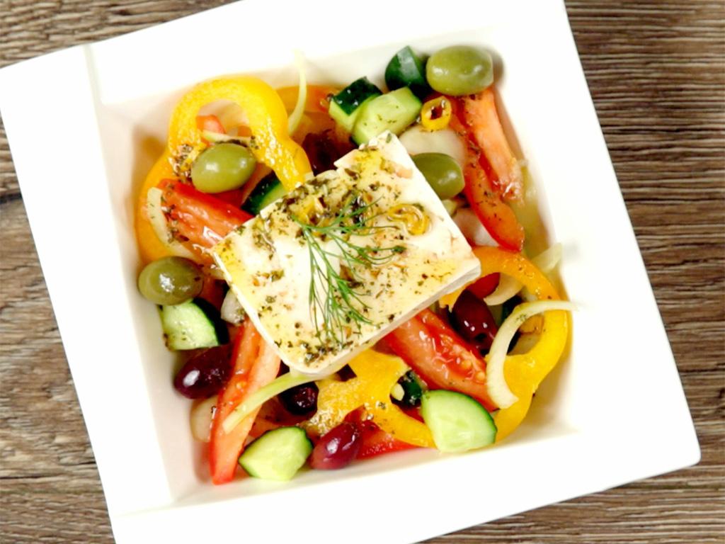 salata-greceasca-cu-branza