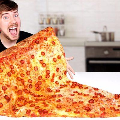 Mukbang cu pizza