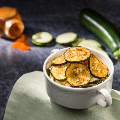 Chipsuri din zucchini