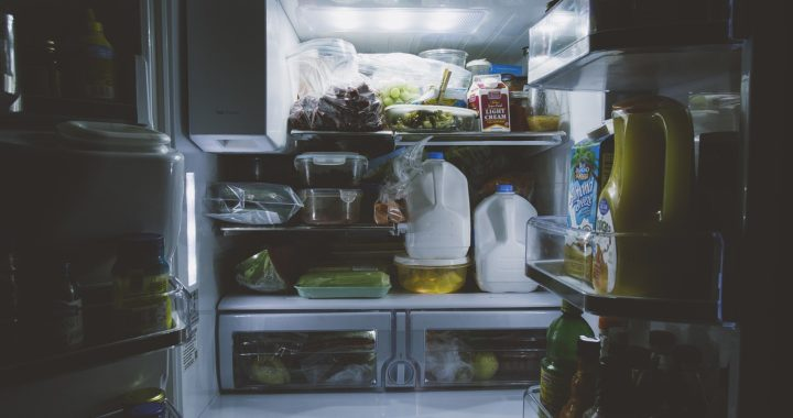 Cum păstrezi alimentele reci în frigider dacă ai pană de curent