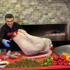 Bucătarul turc care a cucerit internetul cu stilul de a găti și cu zâmbetul său ciudat - 4