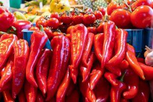 Sos de roșii, gogoșari și capia